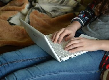 best intel core i3 processor laptops - featured image
